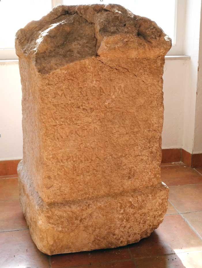 Žrtvenik Caska, Gradski muzej Novalja